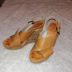 Hinge Hannah Cork Wedge Sandals Sz 9